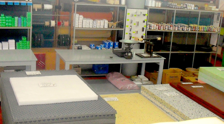 materiales para el tapicero que trabaja con telas y textiles