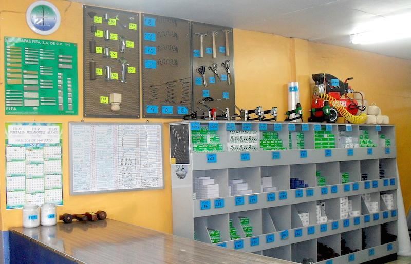 herramientas para el tapicero, tijeras, martillos, engrapadoras neumáticas